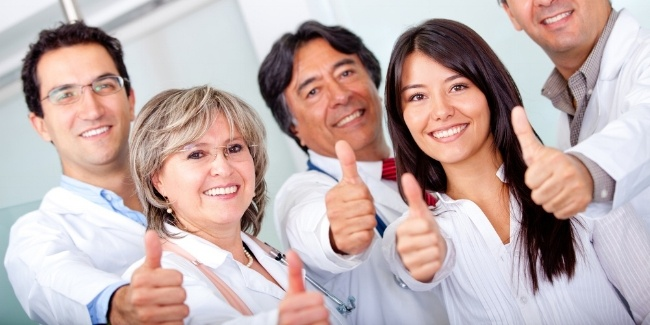 Group of doctors with thumbs up at the hospital-356711-edited.jpeg